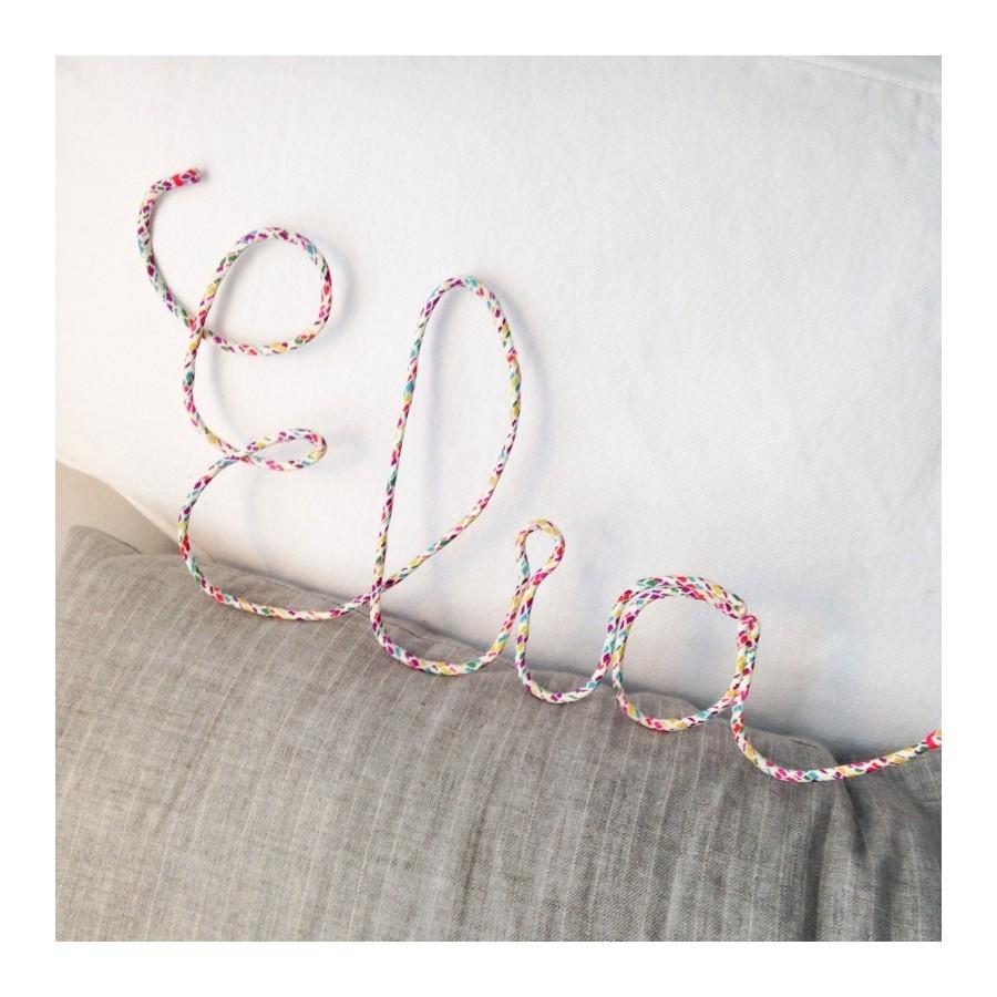 prenom-mot-deco-doux-personnalisable-decoration-chambre-enfant-coton