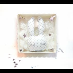 coffret-hochet-bebe-lapin-personnalise-prenom-cadeau-de-naissance-made-in-france