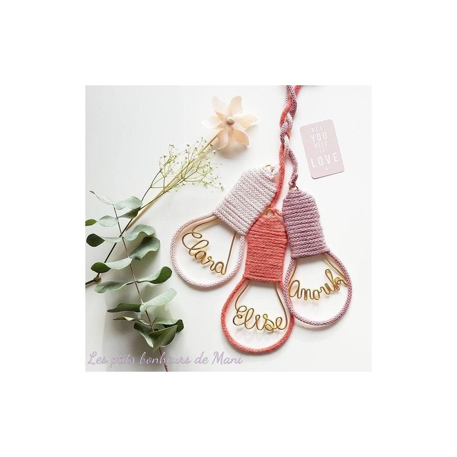 ampoule-tricotin-prenom-personnalise-cadeau-de-naissance-made-in-france