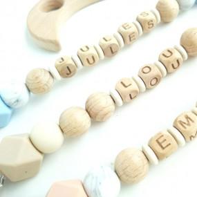 attache-tétine-personnalisée-bois-prénom-crochet-made-in-france
