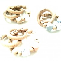 anneau-de-dentition-hochet-personnalisée-bois-prénom-crochet-made-in-france