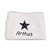 serviette-brodee-prenom-etoile-arthus