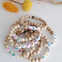 bracelet-perles-bois-personnalise
