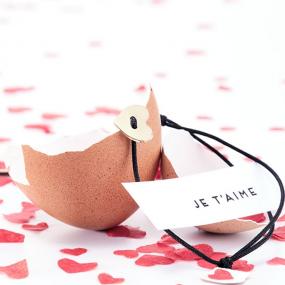 Oeuf-personnalisé-message-bracelet-coeur-cadeau-saint-valentin