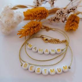 bracelet-perles-lettres-personnalise-cadeau-maman-fille