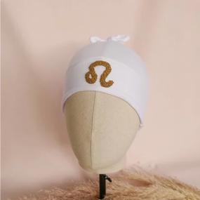 bonnet-personnalisé-cadeau-de-naissance